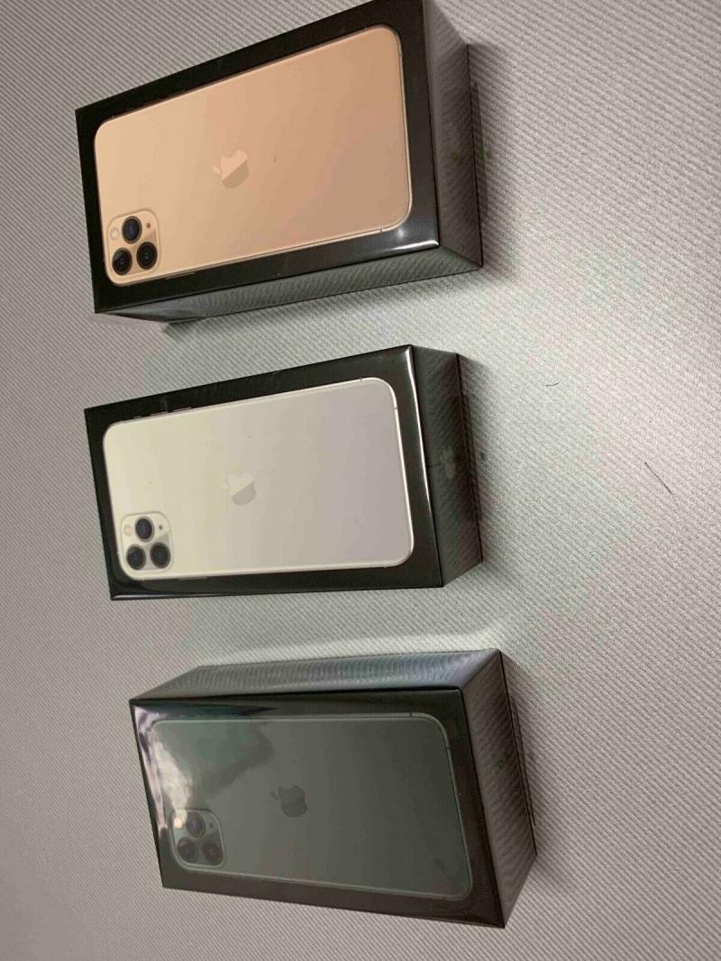 iphone 11 pro max Unlocked...850